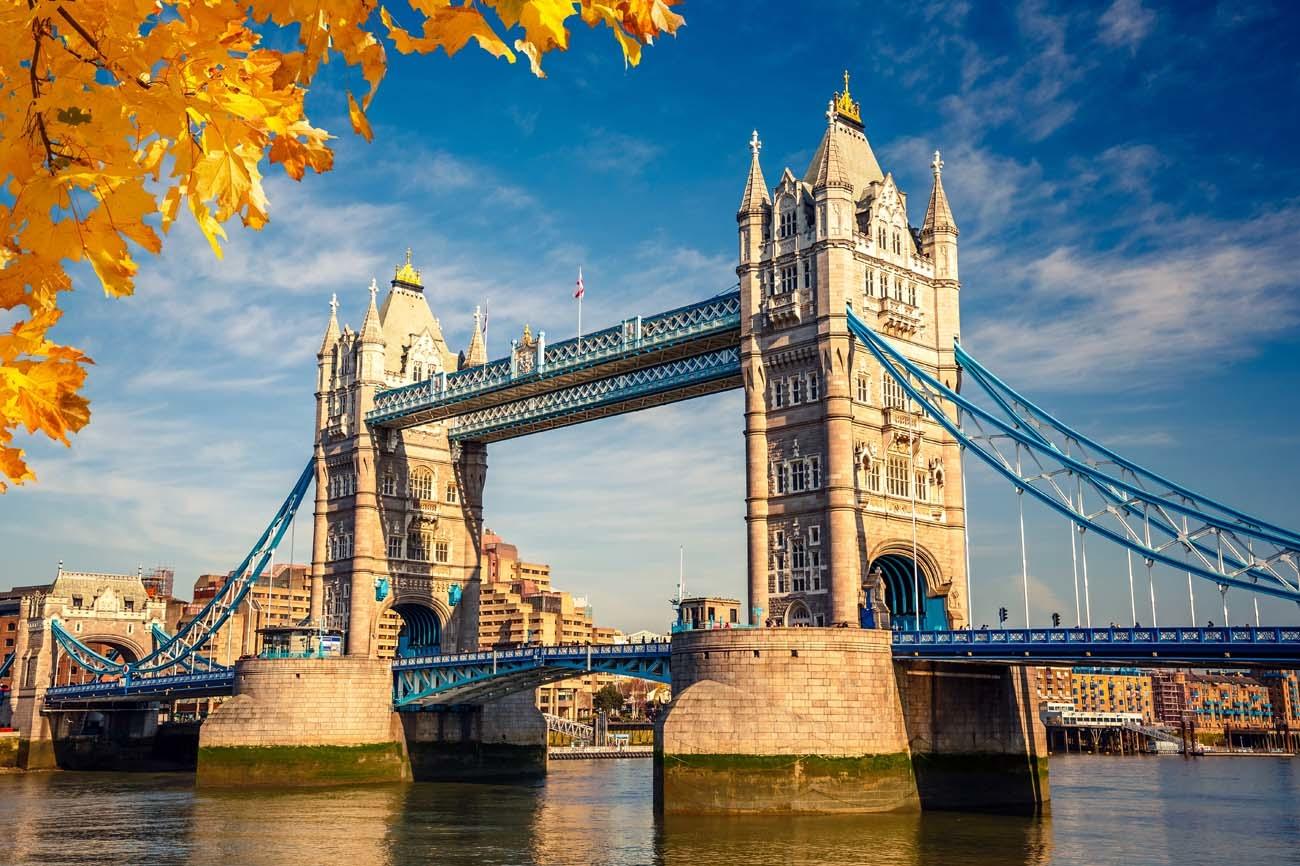20171129-London_TowerBridge_Adobe